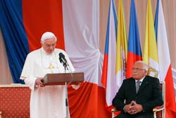Páté výročí zvolení papeže Benedikta XVI. – modlitba věřících v Praze